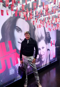 Вячеслав Дюденко на всемирном конгрессе парикмахеров в Берлине